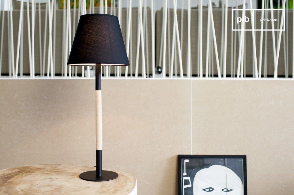 Die Tischlampe Palitö ist eine wunderschöne Leuchte, die Ihrem Zuhause einen Hauch von minimalistischer Eleganz schenken