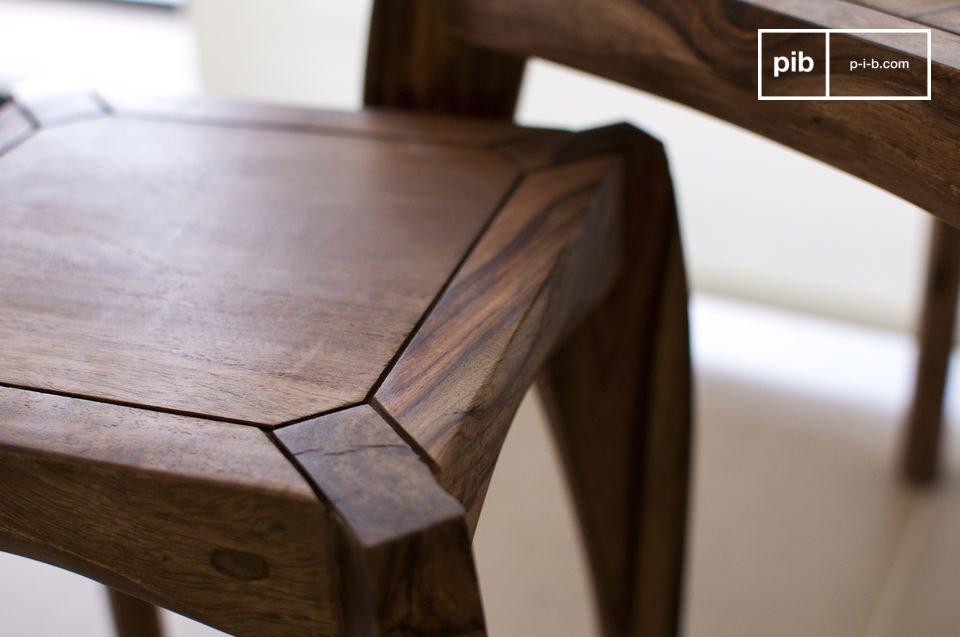 Sie können diese drei Tische in einem Raum verteilen oder zusammengestellt als praktische und