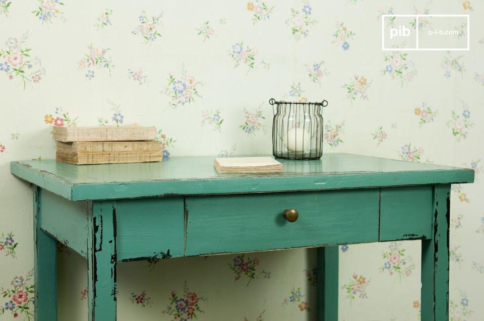 Dieser türkisfarbene Tisch Lila ist ein kleines Schmuckstück der Ihrer Einrichtung einen