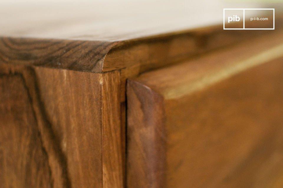 Das Design von dem TV-Möbel 1969 bringt sicherlich einen Vintage-Look in Ihr Wohnzimmer