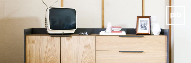 TV-Möbel aus Holz
