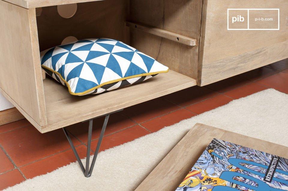 Durch sein schlichtes Design lässt sich das Bücherregal Zürich ganz leicht in die