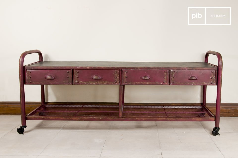 Dieses besonders robuste TV-Möbel besteht aus einer massiven Metallstruktur und einer Platte aus