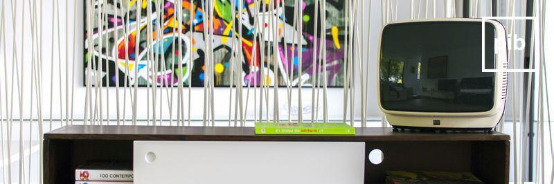 TV-Möbel mit Stauraum