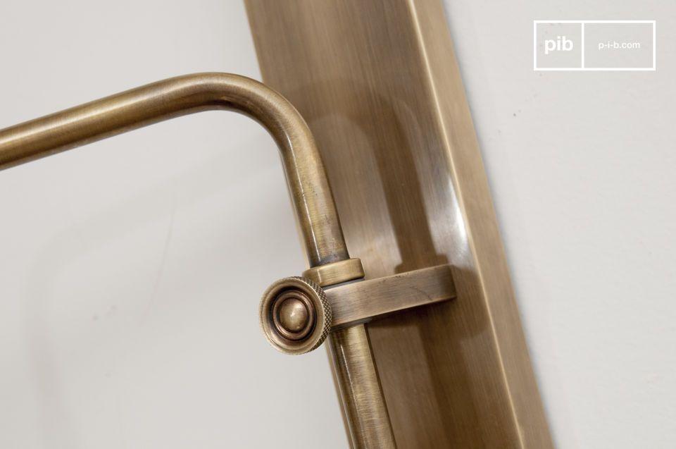 Die Lerwick Wandleuchte ist aus Messing gefertigt