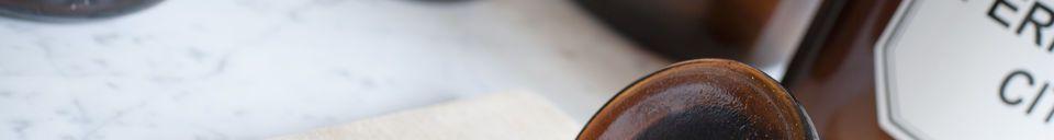Materialbeschreibung Vier Apothekerflaschen