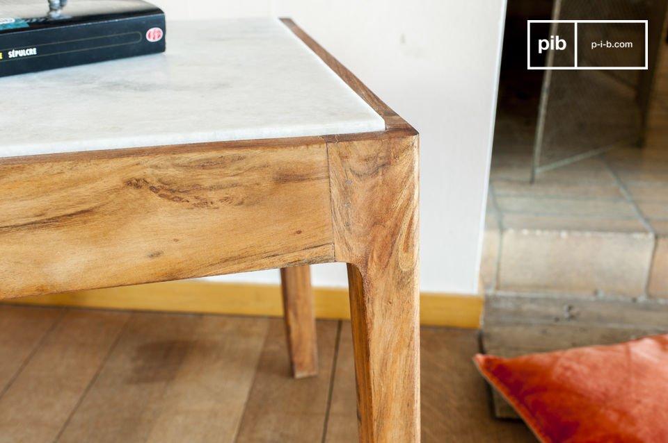 Der viereckige Beistelltisch Marmori wird Sie mit seinem skandinavischen Retrostil und seinen