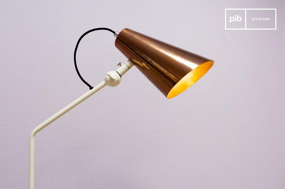 Kupferfarbener Lampenschirm für ein Design mit retro Akzenten