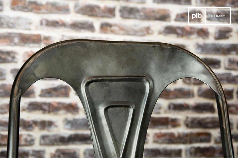 Neuauflage einer Metallmöbel-Ikone der 20er Jahre