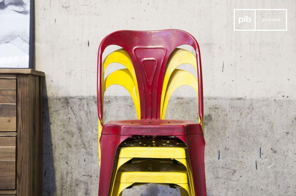Entscheiden Sie sich für einen robusten Stuhl aus Metall welcher auch gleichzeitig leicht ist