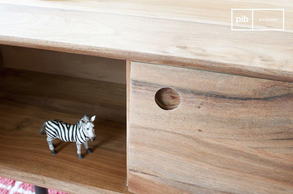 Dieses Möbelstück lässt sich ganz einfach in jede Art von Einrichtung eingliedern
