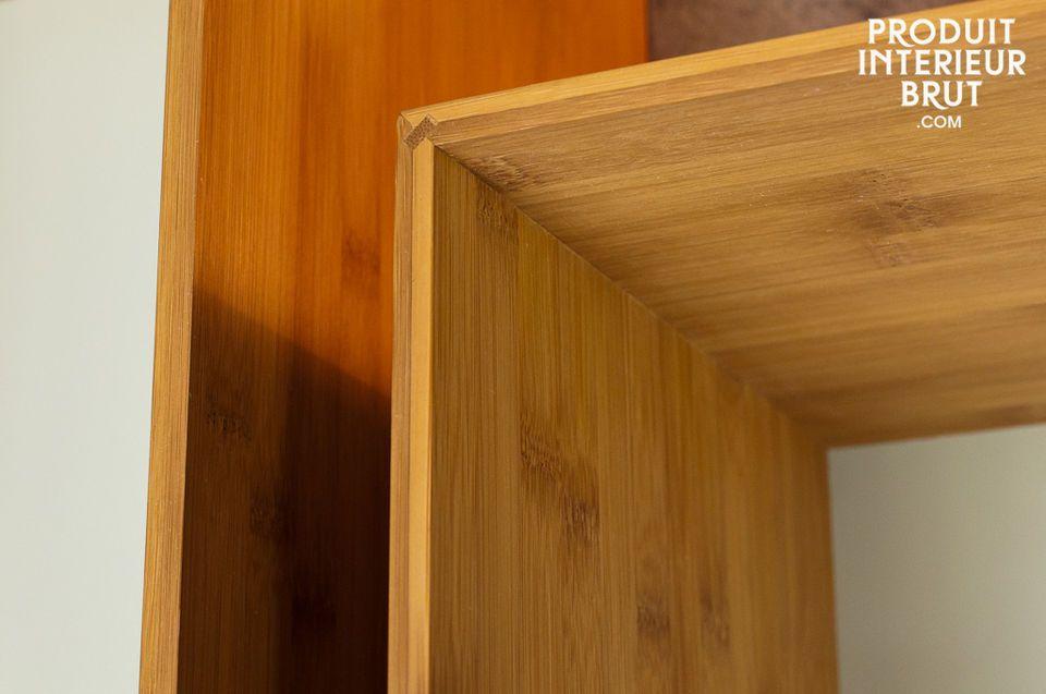 Die Wandbibliothek Numéro 1 gibt mit ihren zahlreichen Kombinationsmöglichkeiten - von streng