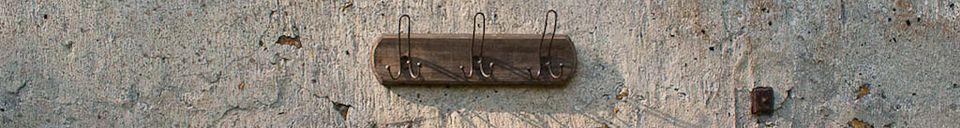 Materialbeschreibung Wandgarderobe mit drei dreifachen Haken