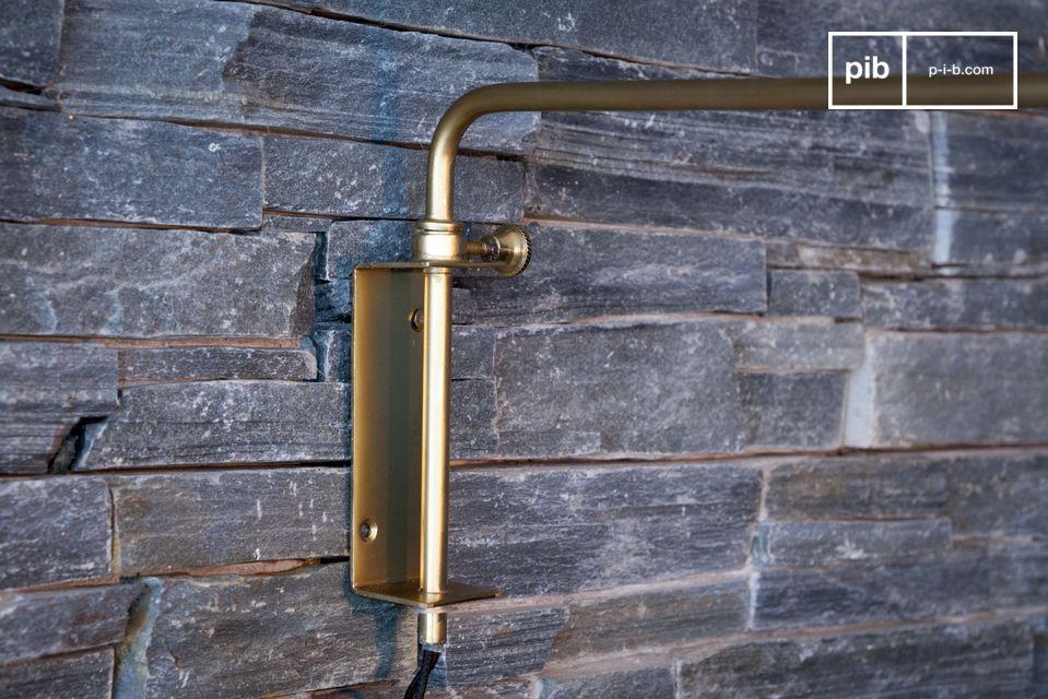 Die vollständig aus Metall gefertigte Lampe Janika ist in einem nordischen vintage Stil gehalten