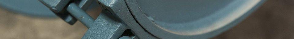 Materialbeschreibung Wandlampe Spitzmüller in einem Petrolblau