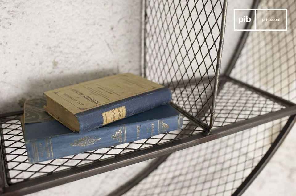Das Wandregal Flèxe ist ein außerordentliches Aufbewahrungsmöbel: Seine metallische Struktur und