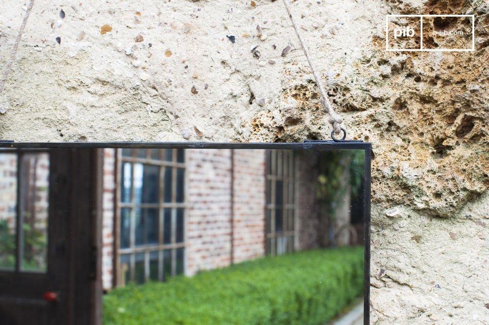 Rechteckiger Wandspiegel im schlicht eleganten Design