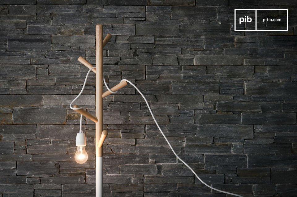 Die Leuchte kann an die Decke montiert werden oder aber Sie lassen Ihrer Fantasie einfach freien Lauf : sie kann zum Beispiel um ein Holzstück gewickelt werden oder schlangenartig in eine große Glasvase gestellt werden