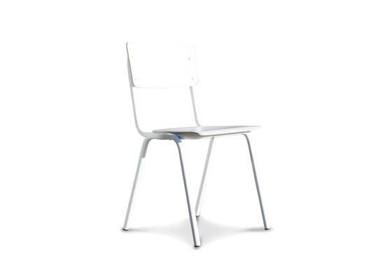 Weisser Stuhl Skole ohne jede Grenze