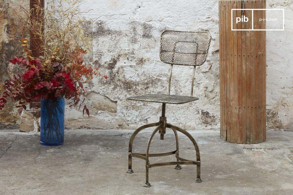 Werkstattstuhl aus Lochblech
