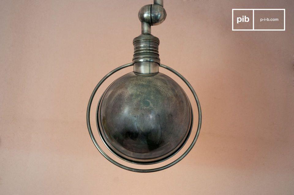 Resoluten industriellen Vintage Style sieht man dieser Wandleuchte mit zwei verstellbaren Armen