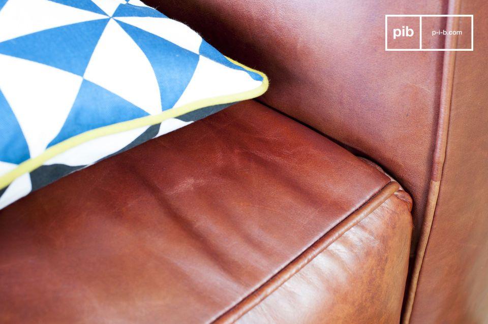 Dieses vintage Krieger Sofa ist zu 100% aus Leder und weist einen eleganten vintage Look auf